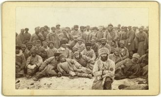 [Group portrait of large group of convicts]