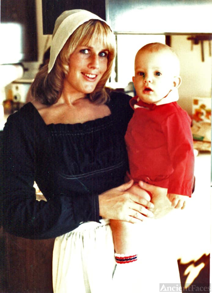 1981 Thanksgiving - Pam Kroetch & Daniel Pinna