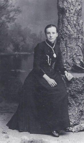Emma Ellen (Halstead) Bremner