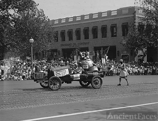 Firemen's Labor Day parade, 1929