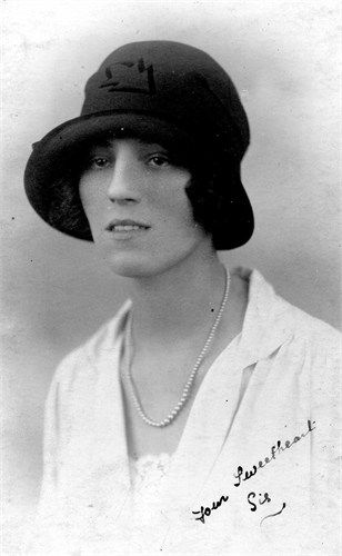 Clara Giles, 1926