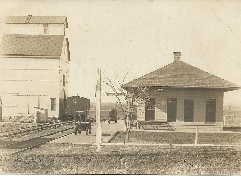 Geuda Springs Elevator and Depot