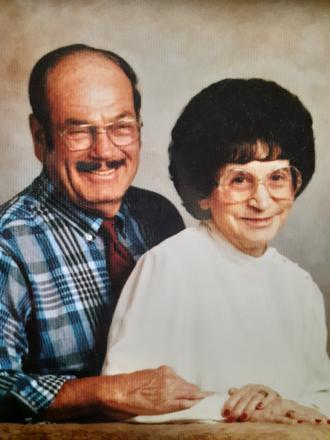 Carl E. Mills & Maxine E. (Sandlin) mills