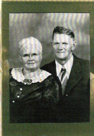Earn & Emma Hardin 50th Wedding Anniverary