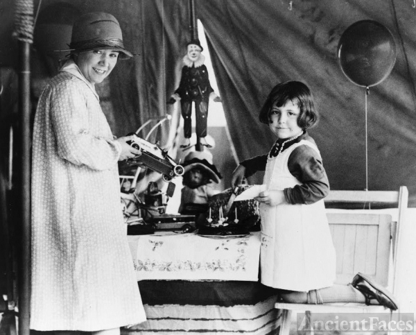 Dolly Jahn's Circus Party
