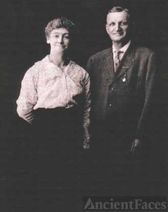Charles Hamilton & wife, Eleanor (Nellie) Moran