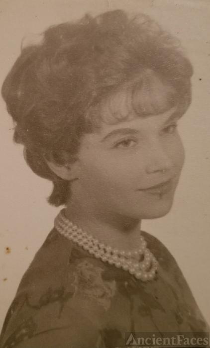 Laurita Sue (Levering) Wilscam