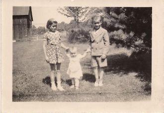 Betty, Ruth & Wilbur Martz