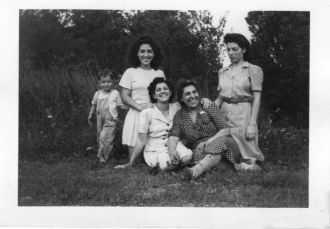 Amelia, Carrie, Anne, Ursula & Joey Gervasi