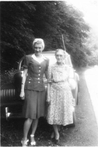 Tressa (Hess) and Flora E Hawk