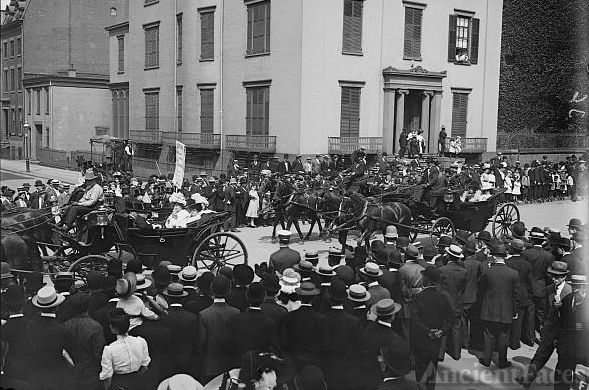 Labor Day Parade, carriages carrying actresses, New York