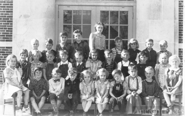 Mill Creek School, 1941