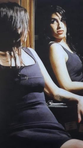 Amy Winehouse mirror image