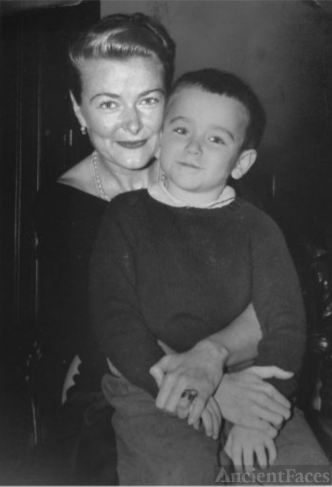 Robin Williams as a child