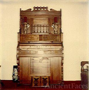 GGrandma Donald's Pump Organ