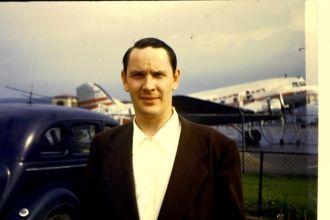 Robert F Bowker