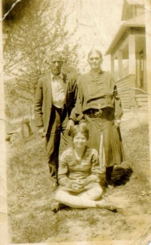 Henry Harrison Hicks, Phoebe Boggs, Helen Hicks
