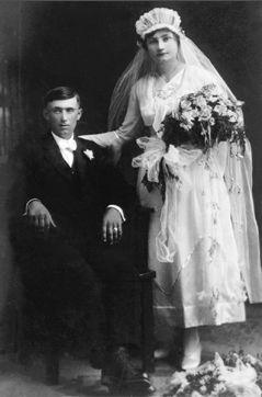 Leo and Rose (Barthel) Kasper, 1919