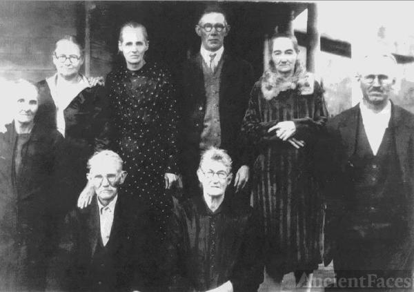 James W. & Mary Walton Family, 1932