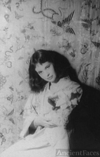 Gloria Vanderbilt, 1958