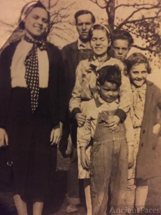 Robert Harrison Moore Family, 1934