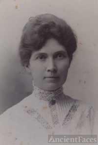 Nora Joana (Smith Rickard) Muir