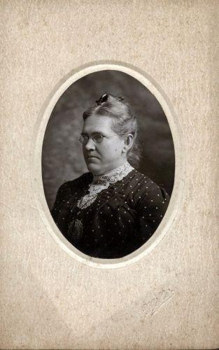 Sophie Wolfe