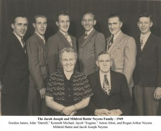 Jacob and Mildred Neyens family 1949