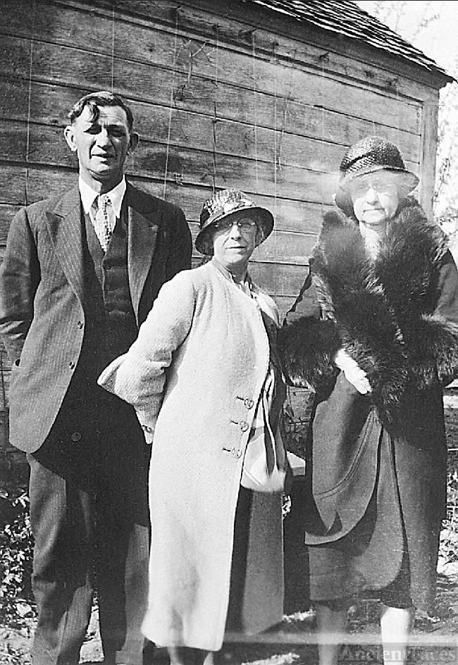 Emery & Martha Holmes with Aunt Belle