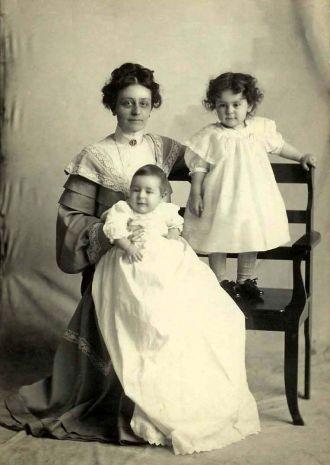 Anna Reiser Cupp and children, Harry & Verona