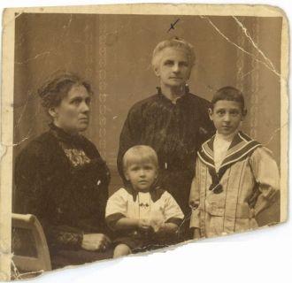 Alice Gossens Family