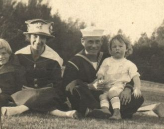 Frank Catlett with his family