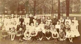 WALNUT ILL. SCHOOL 1897