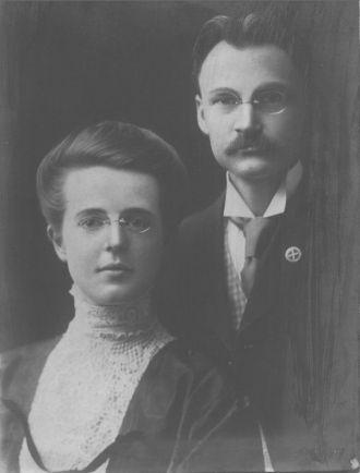 Walter C. & Lula (Byram) Purviance, 1907