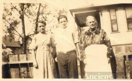 Jean Stark , Wes Catton , Elizabeth Slimmon