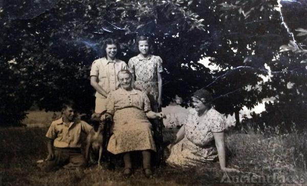 Edla Anderson and descendants