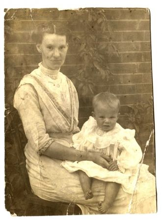Unknown Family Portrait (likely Vaughan or Crane or Worth or Mosher)