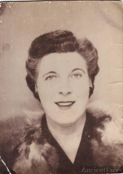 Lucille (McClelland) Bomstead, Washington 1940
