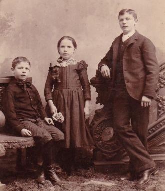 Unknown Milwaukee Family