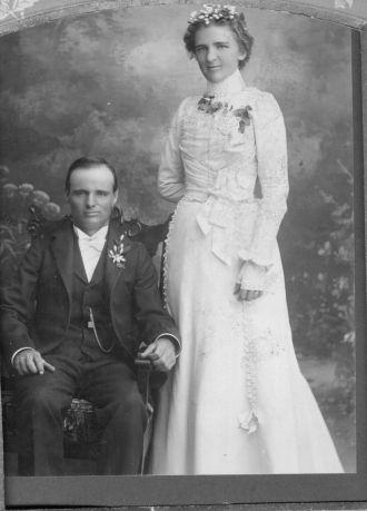 Aurelia (Oveson) & Peter Johnson, 1900