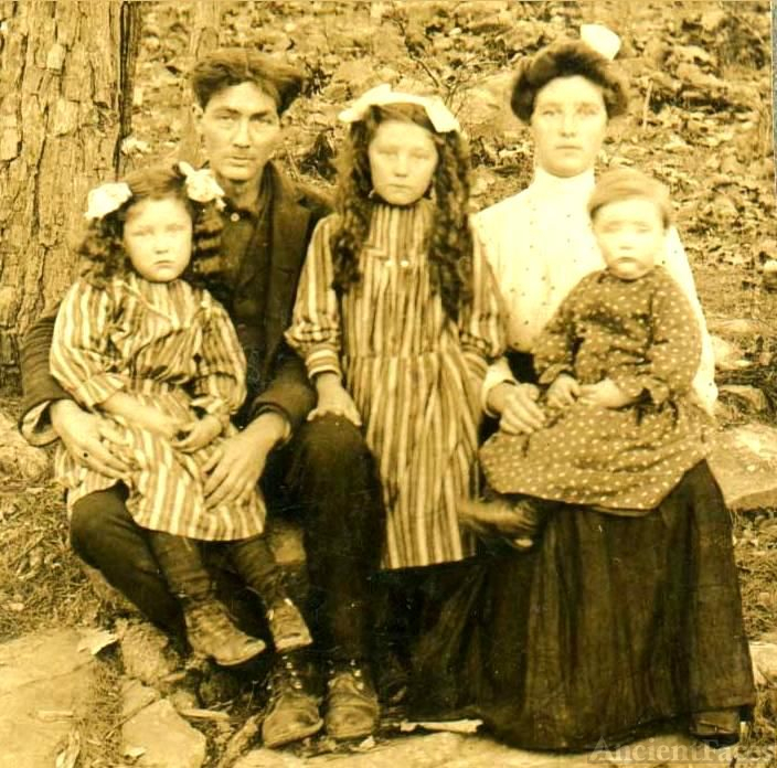The Asa E. Goats Family