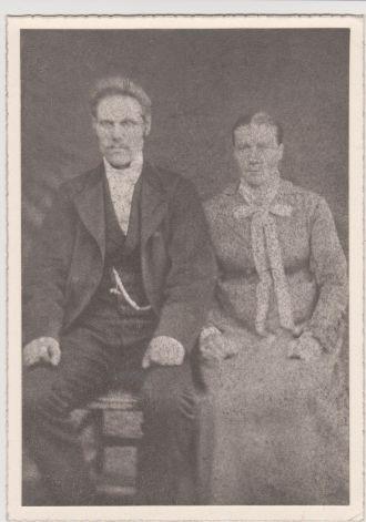 Hartvig and Kari (Jonsdatter) Larsen