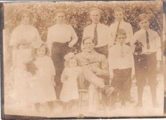 Family photo in Orange Grove
