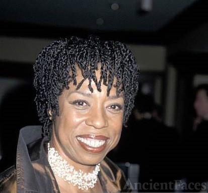 Lynne Thigpen and Bobo Lewis created a Foundation to Help Young Actors.