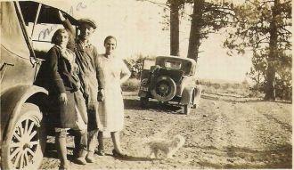 Winnie Agee Reynolds with mystery man & woman