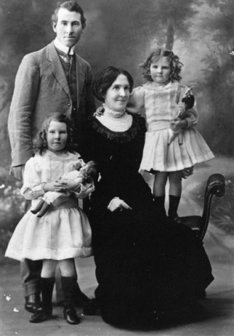 Aubrey Denning and Family NSW Australia