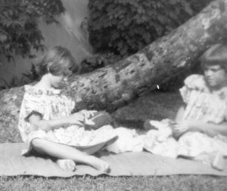 Pinkley girls, Easter 1962
