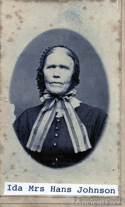 Mrs Hans (Ida) Johnson