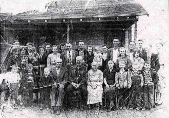 Archie M. Holley & Belle Johnson Family, TN