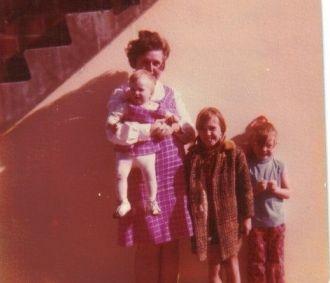 Mary L Reidt & family